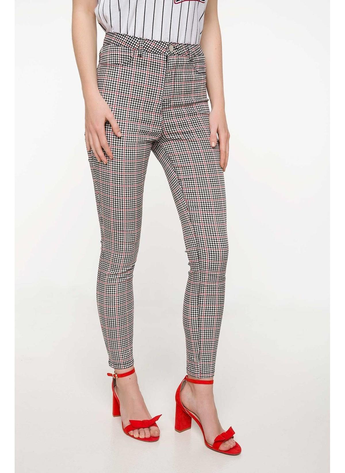 Defacto Slim Fit Pantolon I7731az18smwt43pantolon – 59.99 TL
